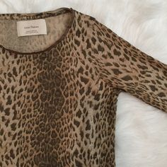Leopard Shirt ZARA leopard shirt with faux leather trim on collar➖please use offer button 〰OR〰 I will discount the price for serious buyers to receive discounted shipping ✖️I DO NOT TRADE✖️ Zara Tops Tees - Long Sleeve