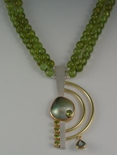 NECKLACE - STERLING SILVER, 18KT YELLOW GOLD, PERIDOT, NATURAL TAHITIAN MABE PEARL, GREEN SAPPHIRE