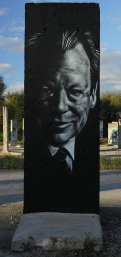 Willy Brandt on the Berlin Wall