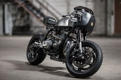 BMW R65 Cafe Racer Silver Raven by Ed Turner #motorcycles #caferacer #motos | caferacerpasion.com