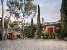 Related posts: Ellen DeGeneres and Portia Rossi splash out $40M on The Brody House Ellen DeGeneres' wedding villa is for sale Historical Tuscan villa: Buonriposo Bel Air Mediterranean villa listed at $23.5M