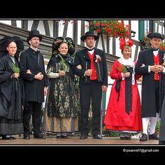 Défilé de costumes alsaciens | Flickr - Photo Sharing!