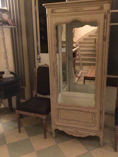 Vitrina de estilo francés restaurada by BERKANA Shop