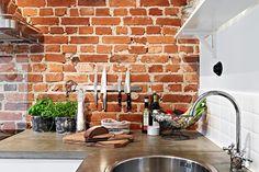 Tegelvägg i kök