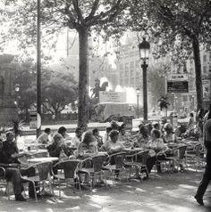 Barcelona 70s Plaça Catalunya (F. Català Roca)