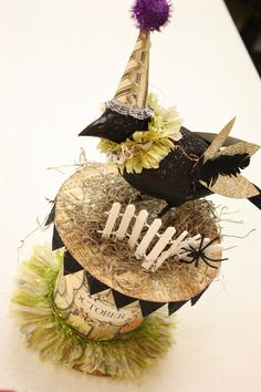 Halloween black bird with hat white steampunk vintage spooky creepy container box