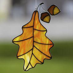 Verre teinté orange feuille de chêne avec glands suncatcher