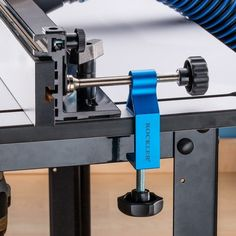 Micro Adjuster for Router Table Fence #giftguide
