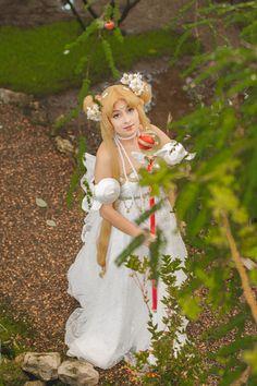 Princess Serenity Cosplay by Lady Malice Cosplay Sailor Chibi Moon, Sailor Moon Cosplay, Sailor Neptune, Sailor Uranus, Sailor Mars, Princess Serenity, Sailor Mercury, Fan Art, Costumes