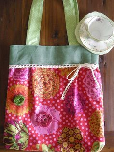 http://adrianagaetano.blogspot.it/2012/09/tote-bag.html