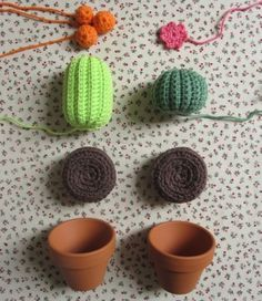 Project Mini Cactus - TheFunkyFox (photo only)crochet cactus :) Maybe present for grandma.Little Amigurimi Cacti -- Would make a clever pin/needle cushion :)Crochet cacti for those of us who kill house plantsCacti in Progress via The Funky Fox. Diy Crochet Cactus, Crochet Diy, Crochet Home, Love Crochet, Crochet Gifts, Crochet Flowers, Amigurumi Patterns, Crochet Patterns, Pinterest Crochet