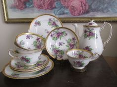 ROYAL CHELSEA SWEET VIOLETS TEA SET OF 12 PS  HEAVY GOLD POT CUP SAUCER  PLATE
