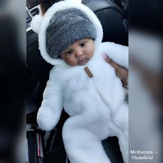 Is this baby real? ⚠️Credit before reposting? GIVE IT SUS ⚠️ xoxo - ✨ Lil Baby, Baby Kind, Pretty Baby, Little Babies, Cute Babies, Black Babies, Kids Fever, Baby Fever, Baby Boy Outfits