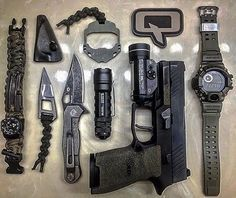 GOOD POCKET KNIVES:Finding really good pocket knives for EDC, self defense, hunting or tactical training isn't easy with all the sale hype. Edc Tactical, Tactical Survival, Survival Gear, Urban Survival, Everyday Carry Items, Edc Tools, Edc Gear, Guns And Ammo, Firearms