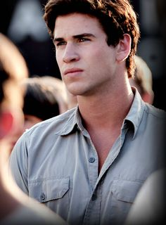 ok even if you dont like hunger games you gotta admit he is gorgeous