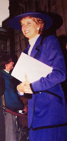 1989-12-18 Diana opens the new Assembly Rooms at St Brides Church in Fleet Street