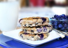 Blueberry Pie Pancakes by chocolatecoverdkatie: Single serving. #Pancakes #Blueberry #Oatmeal #Single_Serving