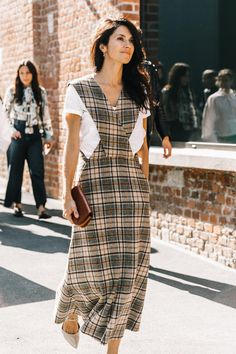 How To Cement Your Personal Style, Lesson Examine Style Archetypes — MappCraft - Women's style: Patterns of sustainability Tartan Fashion, Look Fashion, Autumn Fashion, Womens Fashion, Fashion Design, Tartan Mode, Vestido Casual, Jumper Dress, Mode Inspiration