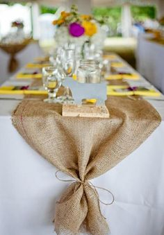 22 Rustic Burlap Wedding Table Runner Ideas You Will Love Deco Table Champetre, Burlap Table Decorations, Holiday Decorations, Garden Party Decorations, Rehearsal Dinner Decorations, Burlap Table Runners, Burlap Table Cloths, Table Linens, Table Runner Round Table