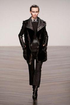 Aminaka Wilmont A/W '13- I love this coat