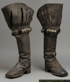 Plague Doctor Costume - Clothing Worn by Plague Doctors - Boots Larp, Vintage Shoes, Vintage Outfits, Medieval Boots, Doctor Costume, Armor Clothing, Landsknecht, Mens Boots Fashion, Fashion Black