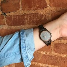 NEW POST + GIVEAWAY! ✨ There's still time to enter my giveaway for a $75 e-gift card toward one of these dope watches! ⏱ (Everyone who enters automatically gets a $20 e-gift card!) Click the ☝🏼 LINK IN BIO ☝🏼 for watch details + how to enter to WIN!! 😛 #watch #fallaccessories #woodwatch #jordwatch #ontheblog #stylishlytaylored