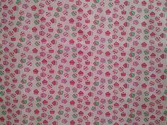 Tricoline Cupcake Pink disponível em nossa loja ! Em até 6x sem juros e enviamos para todo Brasil, aproveite !  https://www.luematecidos.com.br/patchwork/tricoline-cupcake-pink.html