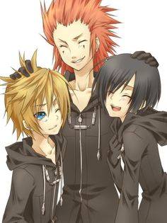 There are way too many cute pics of these three! Not that it's a bad thing.