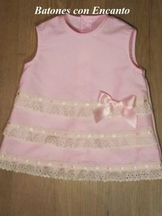 Batones con Encanto: Vestidos de niñas.