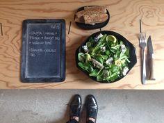 Bento du jour 10/05/2016 : Salade tout bio : mâche + frisée + avocat + hareng fumé - Baguette céréale bio
