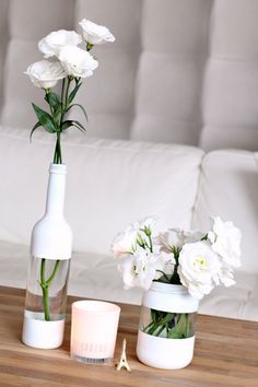 Cool painting ideas for DIY glass vases - cool painting idea for DIY vase in wh. - El yapımı ev dekorasyonu - Cool painting ideas for DIY glass vases – cool painting idea for DIY vase in white – - Diy Upcycled Planters, Upcycled Crafts, Upcycled Garden, Bottles And Jars, Empty Bottles, Glass Jars, Paint Wine Bottles, Reuse Wine Bottles, Recycled Glass Bottles