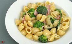 Pâtes au jambon et brocoli - une des recettes préférées de fils aîné