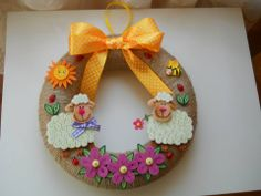 Quilling Flowers, Paper Quilling, Quilling Photo Frames, Quilled Creations, Bottle Brush Trees, Easter Wreaths, Crochet Earrings, Crafts, Animals
