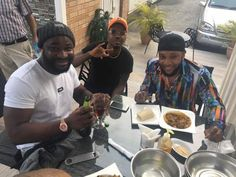 All is forgiven and well in the Five Star Music family. Harrysong and his other label mates Skibii and Kcee were spotted at Le Paris hotel in Lekki having lunch.  See more photos below...