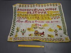 Ancien napperon abécédaire de couture vintage broderie tissu ancien 1894 19ème