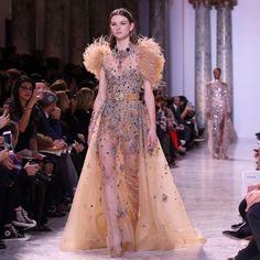 Неделя высокой моды в Париже: появились фото и видео роскошного показа Elie Saab | ONLINE.UA