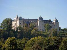 Netradičné kaštiele na strednom Halič Slovensku, ktoré stoja za pozornosť Heart Of Europe, Mansions, House Styles, Home, Manor Houses, Villas, Ad Home, Mansion, Homes