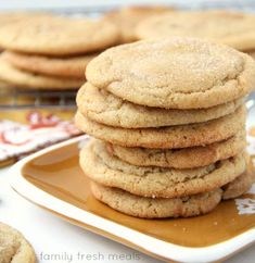 Do you love caramel? Then these Soft and Chewy Caramel Filled Snickerdoodle Cookies are the cookies for you. Dough can be made ahead and stored for later! Easy Summer Desserts, Unique Desserts, Easy No Bake Desserts, Dessert Recipes, Delicious Donuts, Delicious Desserts, Yummy Food, Family Fresh Meals, Family Recipes