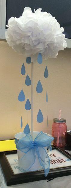 Un original centro de mesa que fácilmente te inspira, para crear uno a tu gusto, con  producto que encontrarás en www.Airedefiesta.com