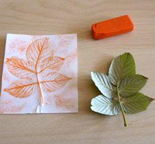 empreinte de feuille art visuel automne orange (composition de la feuille: tige, nervures, etc)
