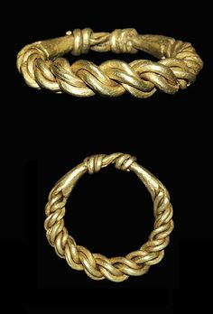 Viking Gold Plaited Ring, century C. A finger ring formed from plaited wire, forged together behind and each end coiled around the other. Medieval Jewelry, Viking Jewelry, Ancient Jewelry, Old Jewelry, Antique Jewelry, Vintage Jewelry, Jewelry Making, Antique Rings, Collier Antique