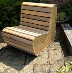 Projects for recycling wooden pallets. # Recycling of pallets - Woodworking Ideas Wood Pallet Recycling, Pallet Crafts, Diy Pallet Projects, Wood Crafts, Wood Projects, Recycling Projects, Pallet Furniture, Furniture Projects, Pallet Chair