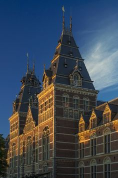 Rijksmuseum Amsterdam, the Netherlands, by Cuypers. Renovation: Cruz y Ortiz Utrecht, Leiden, Amsterdam Attractions, Museum Architecture, Ancient Architecture, I Amsterdam, Beautiful Buildings, National Museum, Wanderlust