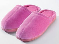 Review & Giveaway – Closed Toe Terry Slippers with Memory Foam by Nature's Sleep
