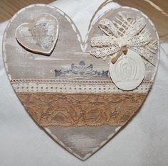 Grand coeur en bois chantourn illustration vintage - Decoration coeur en bois ...