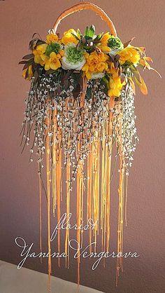 Сумочка с желтыми фрезиями. Church Flower Arrangements, Beautiful Flower Arrangements, Floral Arrangements, Beautiful Flowers, Deco Floral, Arte Floral, Floral Design, Floral Purses, Floral Bags