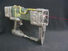 AEP7+Laser+Pistol+(Fallout)+by+dragonator.
