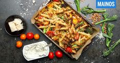 Makaronipaistos Vegetable Pizza, Pesto, Food And Drink, Vegetables, Cooking, Kitchen, Vegetable Recipes, Brewing, Cuisine