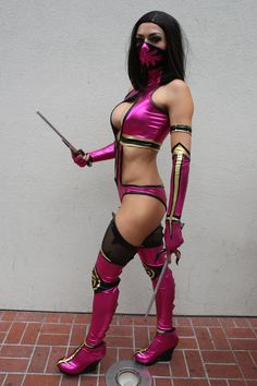 Adrianne Curry Photos - Adrianne Curry sports a revealing 'Mortal Combat' costume, as she arrives at Comic Con in San Diego. - Adrianne Curry Dresses Up for Comic-Con Mortal Kombat Cosplay, Celebrity Pictures, Celebrity News, Mortal Kombat Comics, Adrianne Curry, Mortal Combat, Mileena, Halloween Costumes For Kids, Halloween Ideas