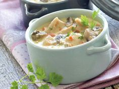 Chicken Blanquette with Thermomix - chicken How To Make Dough, Food To Make, Fermented Bread, Kneading Dough, Smart Kitchen, Cafe Food, Stew, Food Processor Recipes, Good Food